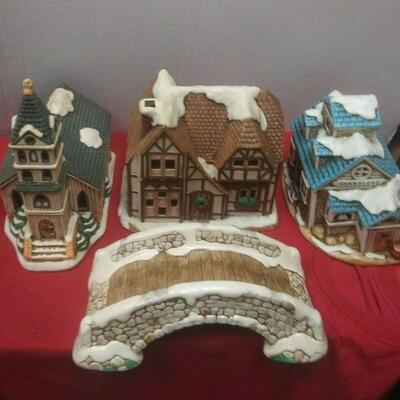 https://www.ebay.com/itm/114531795572	GN3102 LOT OF FOUR PIECES OF LEFTON CERAMIC COLONIAL VILLAGE		 Buy-IT-Now 	 $65.00