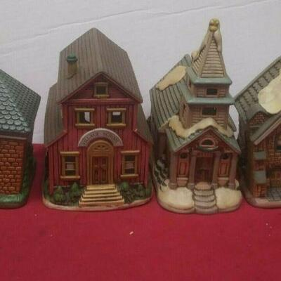 https://www.ebay.com/itm/114575415356	GN3154 LOT OF FOUR LEFTON USED VINTAGE CERAMIC COLONIAL VILLAGE BUILDINGS		 Buy-it-Now 	 $54.99