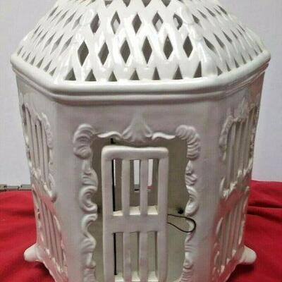 https://www.ebay.com/itm/124447851082	WL3110 VINTAGE DECORATIVE WHITE CERAMIC HEXIGON BIRD CAGE 		Buy-it-Now	 $20.00