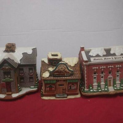 https://www.ebay.com/itm/124486381231	GN3151 LOT OF THREE LEFTON USED VINTAGE CERAMIC COLONIAL VILLAGE BUILDINGS		 Buy-it-Now 	 $54.99