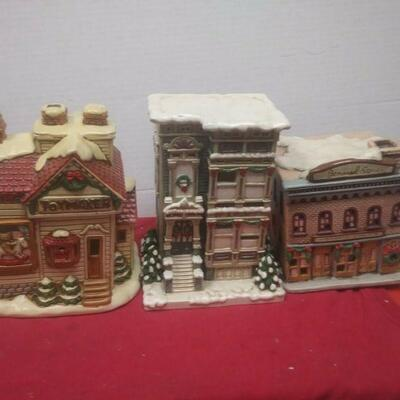 https://www.ebay.com/itm/114575415358	GN3146 LOT OF THREE LEFTON USED VINTAGE CERAMIC COLONIAL VILLAGE BUILDINGS		 Buy-it-Now 	 $54.99