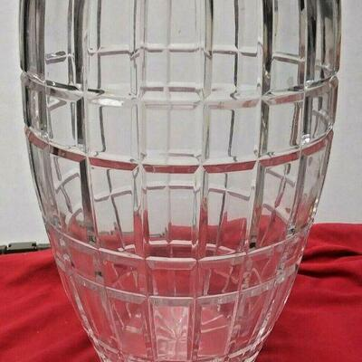 https://www.ebay.com/itm/124447851055	WL3111 TWELVE INCH TALL CUT CRYSTAL GLASS VASE 		Buy-it-Now	 $20.00