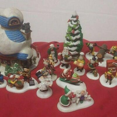 https://www.ebay.com/itm/124474293136	GN3125 LOT OF USED VINTAGE DEPARTMENT 56 CERAMIC FIGURINES CHRISTMAS ELVES		 Auction
