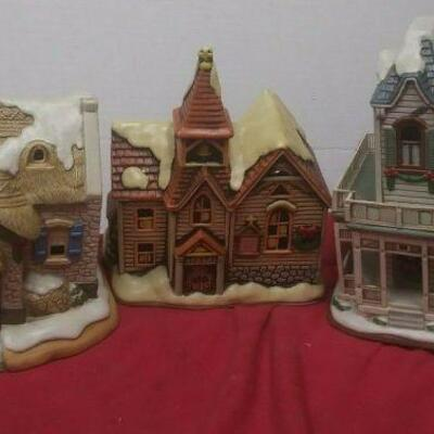 https://www.ebay.com/itm/124486381229	GN3141 LOT OF THREE LEFTON USED VINTAGE CERAMIC COLONIAL VILLAGE BUILDINGS		 Buy-it-Now 	 $54.99