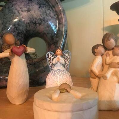 Tasteful Decorative Pieces