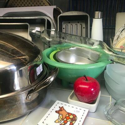 So Many Kitchen Items