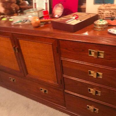 Thomasville 3pc Dresser