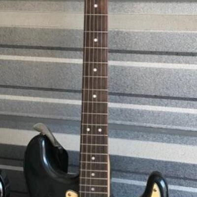 Starcaster electric guitar $150