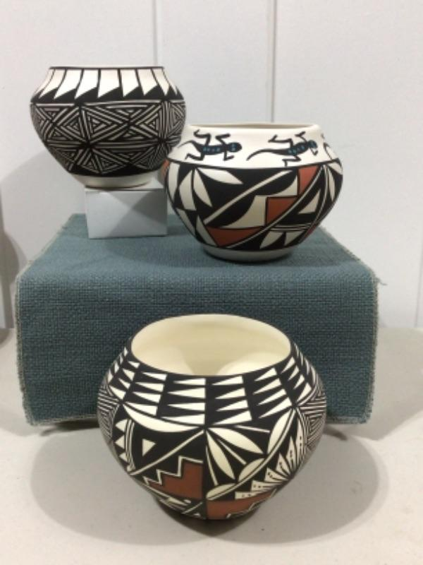 Graphic pottery bowls