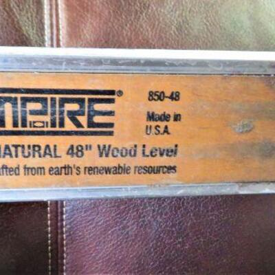VINTAGE 4 FOOT EMPIRE WOOD LEVEL IN PROTECTIVE CASE