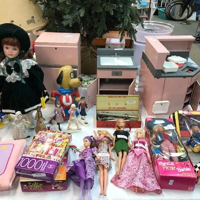 New and vintage toys.