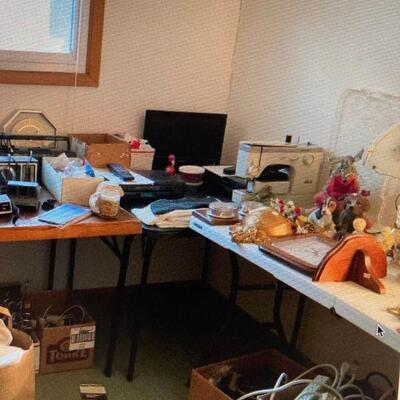 Decor & electronics ...Elna sewing machine