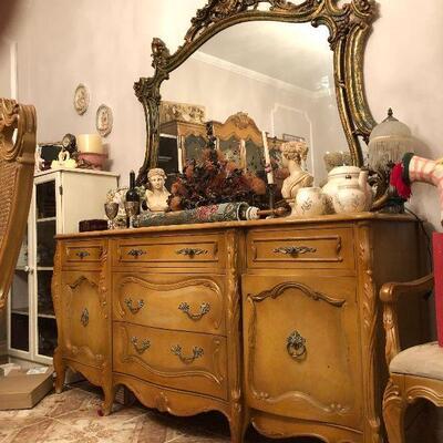 https://www.ebay.com/itm/124486697508FL1001 French Provincial Serving Buffett Side Board Estate Sale Pickup $850.00  OBO