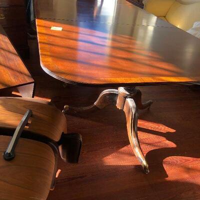 https://www.ebay.com/itm/124487253078WRG5005 Duncan Phyfe 3 Pedestal Table w/ 1 Leaf Estate Sale Pickup $7,062.50