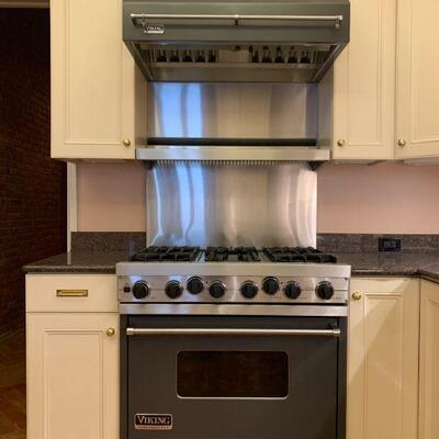 Viking Professional Stove with Stainless Shelf and Vented Hood with Warming Light