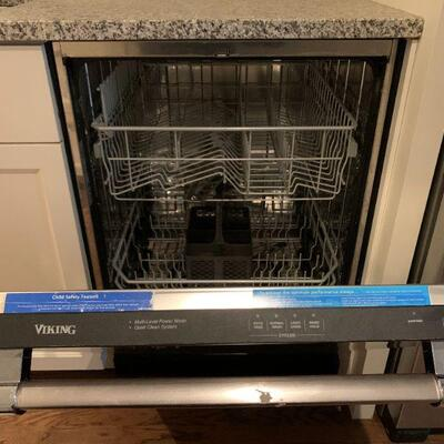 "Viking ""D3"" Dishwasher"