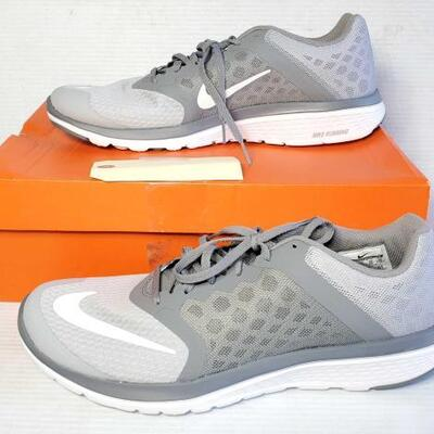 1102	 Men Nike Lite Run 3 Shoes Size 12 OS16-177678.1