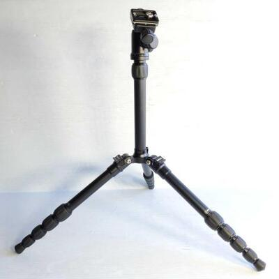 1064	 Camera Tripod With Case Camera Tripod With Case