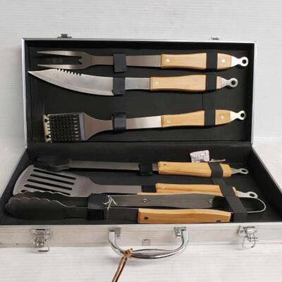 #7180 • BBQ Utensil Kit And Case