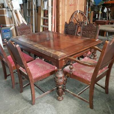 #5272 • Vintage Wooden Dinning Room Table And Chairs