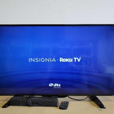 501	 Insignia 39in TV With Remote , And Mini Sound Bar TV Model # NS-39DR51ONA17 Sound Bar Model # NS-SB216