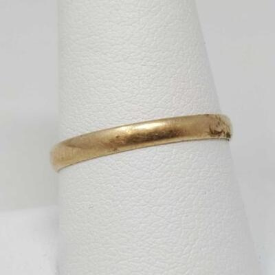 58	  10k Gold Band, 1.3g Weighs Approx 1.3g Size 10