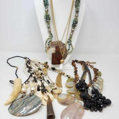 112	 Costume Jewelry Includes Necklaces, 1 Pins, And 1 Clip On Earring