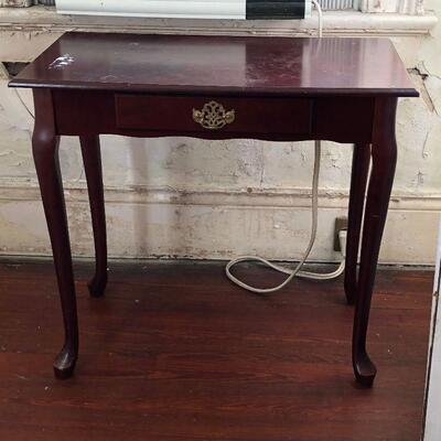 https://www.ebay.com/itm/114644902274WRG5016 Queen Anne Style Hall / Accent Table Local PickupAuction