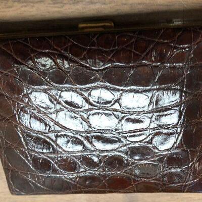 https://www.ebay.com/itm/114636150180LAR9033 Cigarette Case Leather and BrassAuction