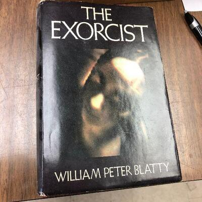 https://www.ebay.com/itm/114648708937BM4008 The Exorcist Book By William Peter Blatty 1971 Auction