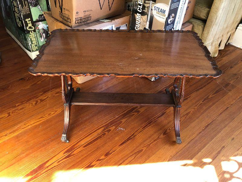 https://www.ebay.com/itm/114644903495	WRG5013 Duncan Phyfe Lyra Base Wooden Coffee / Accent Table Local Pickup		Auction