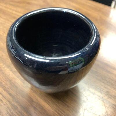 https://www.ebay.com/itm/114644897818WRY5013E Connie Wiener Newcomb Style Cobalt Blue Glazed Pottery Vase: Connie Weiner Art Pottery...