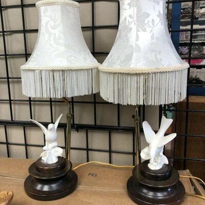 https://www.ebay.com/itm/124540600155KG4012 Part of Dove Endtable Accent Lamps Pickup OnlyAuction