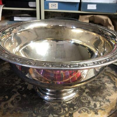 https://www.ebay.com/itm/114646818948BA5098 Large Silver Plate Punch Bowl Local PickupAuction