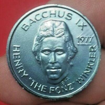 https://www.ebay.com/itm/114477765546LAN5257 GREEN MINI 1977 KING BACCHUS HENRY