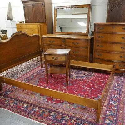 1051FRENCH PROVINCIAL 4 PIECE BEDROOM SET, FULL SIZE BED, FINISH WEAR ON LOWER CHEST TOP