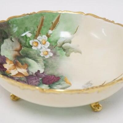1086T & V LIMOGES HAND PAIINTED FOOTED BOWL. 9 1/2 IN DIAMETER 3 5/8 IN H 5010010PLEASE PAY ATTENTION FOR DAILY ADDITIONS TO THIS...