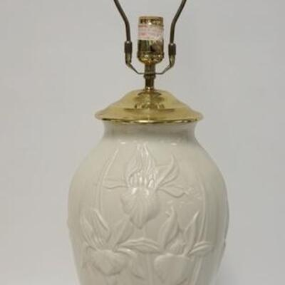 1027LENOX MASTERPIECE IRIS QUOIZEL IVORY TABLE LAMP, 32 IN HIGH