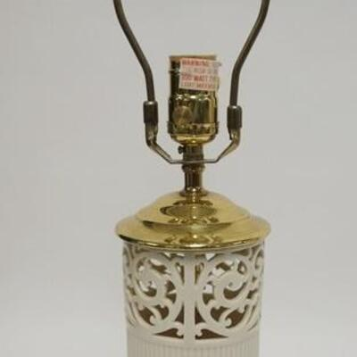1026LENOX QUIZEL BRASS BASED TABLE LAMP, 21 1/2 IN HIGH