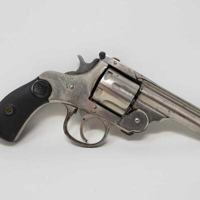 650  Harrington & Richardson. 32 Revolver Serial Number: 5470 Barrel Length: 3.25
