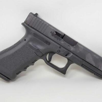 Glock 17 9mm Semi-Auto Pistol sells at aucltion January 31st no reservs to the highest bidder .  Serial Number: BRMP388 Barrel Length:...