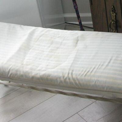 white iron bench (needs repair)  BUY IT NOW $ 20.00