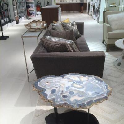 Grade A+ Agate table from Uruguay featuring on polished nickel mount, hand-cut to the profile of the stone, 32