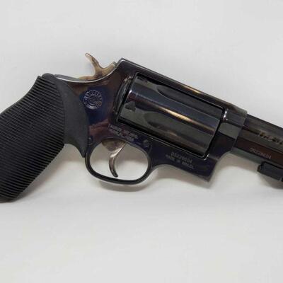 632  Taurus The Judge .45/.410 Revolver NO CA Serial Number: DS228604 Barrel Length: 3