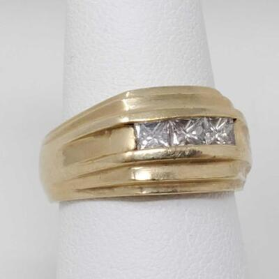 255	  14k Gold Ring With Diamonds, 7.5g Weighs Approx 7.5g. Size 7. Diamond Size Approx .19.
