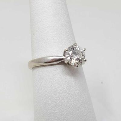 252	  14k White Gold Solitaire 1ct Diamond Ring, 3.6g Size 7. Weighs Approx 3.6g. Stone Size Approx 1ct.