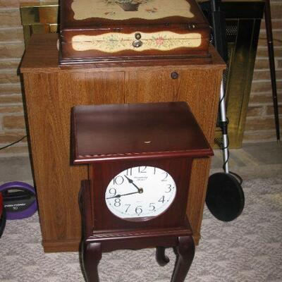 clock table   BUY IT NOW $ 34.00