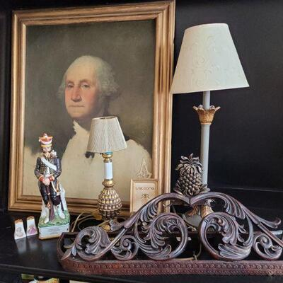 George Washington Framed picture, 2 lamps, figurines and pineapple décor. https://ctbids.com/#!/description/share/768225