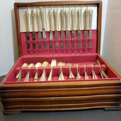 Wm. Rogers stainless flatware in storage box. 17x11x6