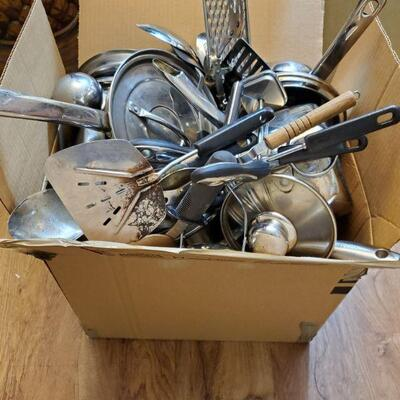 Large box full of kitchen cookware and utensils. https://ctbids.com/#!/description/share/768270
